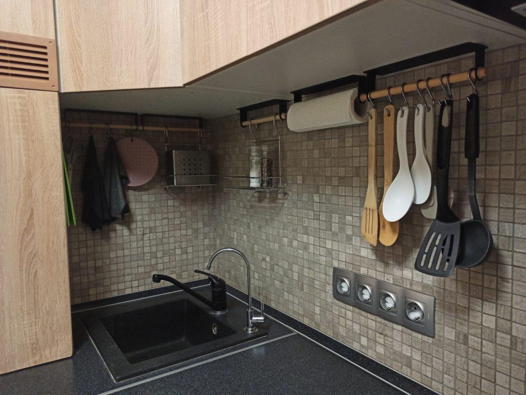 Обустройство рабочей поверхности на кухне в хрущевке с раковиной